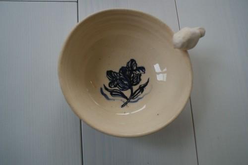 toczona na kole miseczka, tulipan malowany kobaltem według wzoru z delfickiego kafla